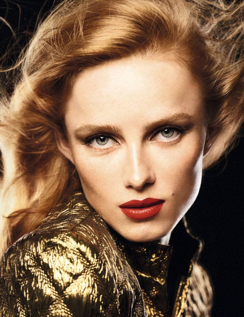 Chanel Rouge Allure Velvet Le Lion